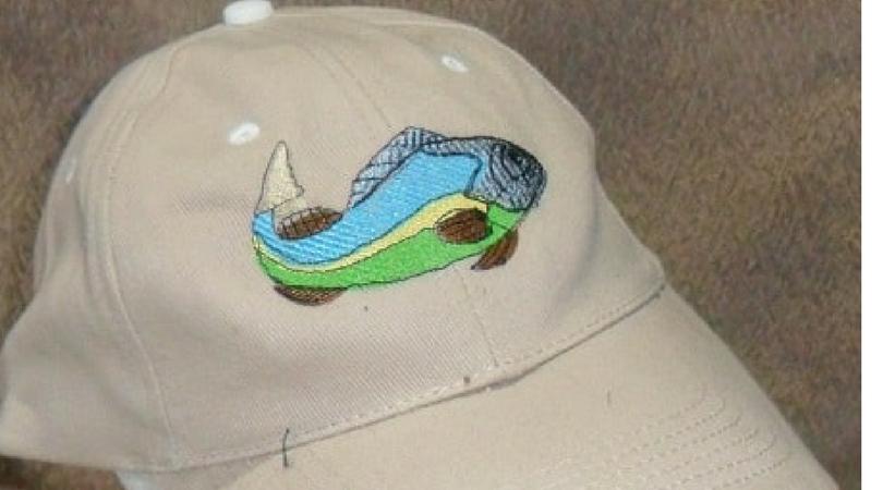 photo casquette poisson broderie personnalisée la passion du fil (59, 62)